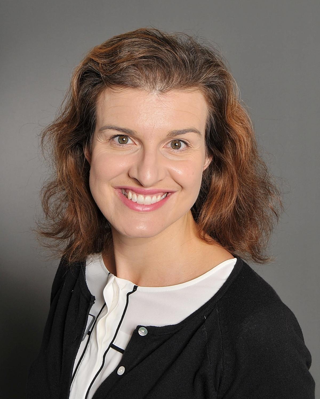 Mrs Laura Benns